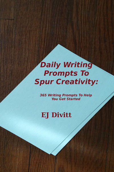 Daily Writing Prompts To Spur Creativity: 365 Writ...